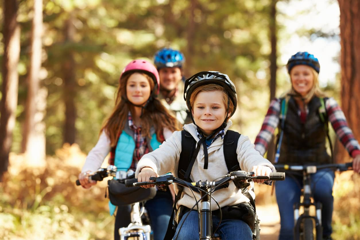 Cycling Safety Tips and Hand Signals For Cyclists
