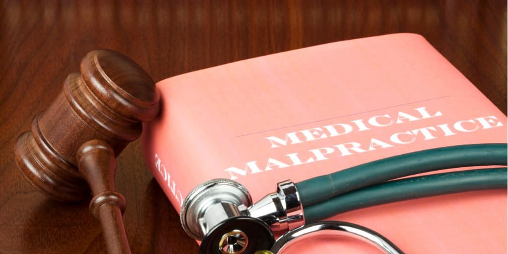 What to Look for When Hiring a Medical Malpractice Lawyer